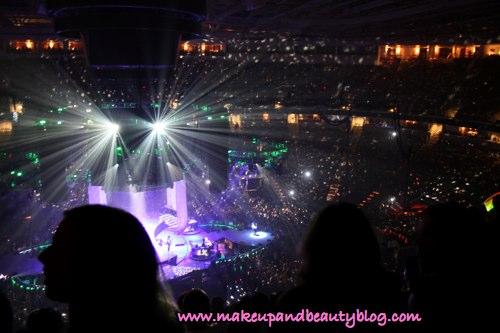 jt-concert-lights