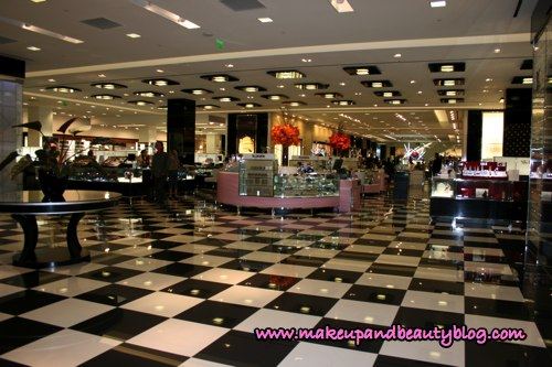 bloomingales-lobby-cosmetics