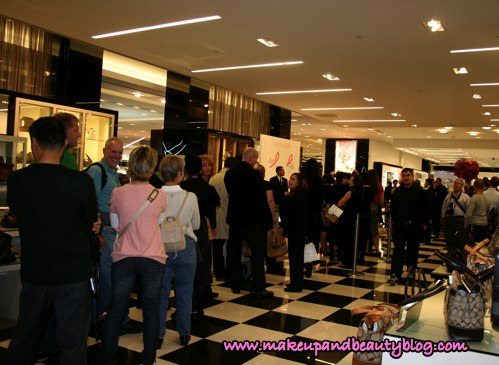 line-estee-lauder-breast-cancer-awareness-event