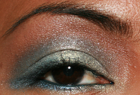 sonia-kashuk-blue-lagoon-eye-shadow-quad-fotd-1