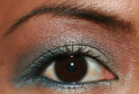 sonia-kashuk-blue-lagoon-eye-shadow-quad-fotd-2