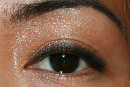 stila-kitten-silk-eye-shadow-wash