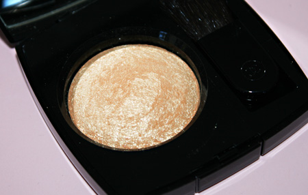 chanel-gold-fever-facettes-dor-highlighter