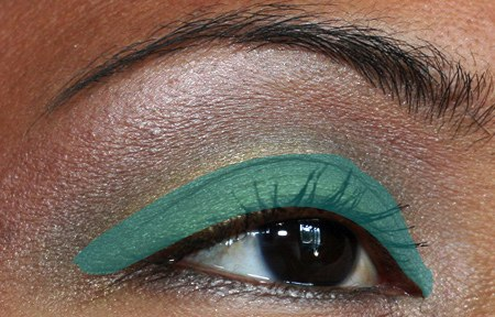 mac-cosmetics-fresh-green-mix-mineralize-eye-shadow-duo-eye-3