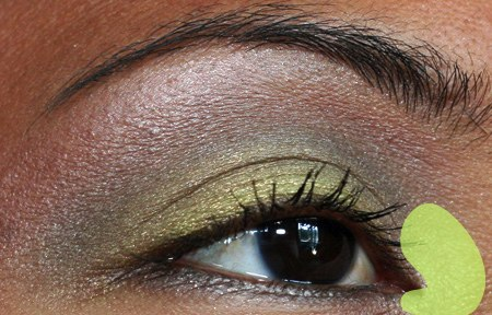 mac-cosmetics-fresh-green-mix-mineralize-eye-shadow-duo-eye-6
