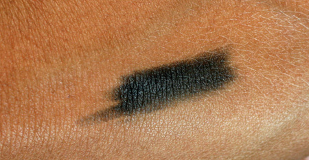 mally-city-chick-nolita-navy-eye-liner-swatch