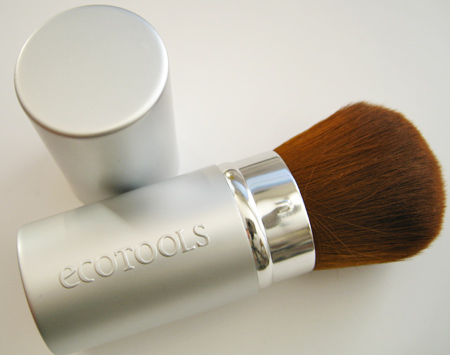ecotools-retractable-kabuki-2