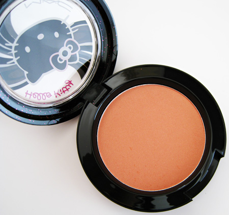 Super MAC Hello Kitty Face of the Day: Peaches, Anyone? - Makeup and  UH36