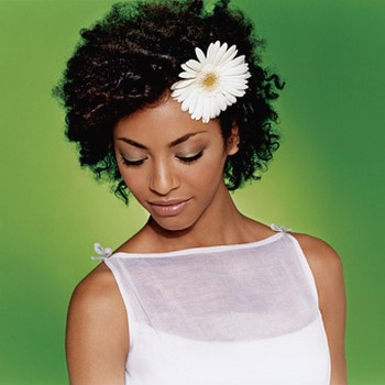 black_bride_hairstyle_with_flower