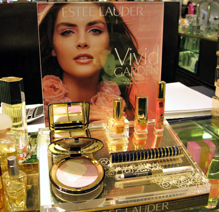 estee lauder vivid garden display