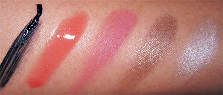barbie loves stila foxy doll swatches
