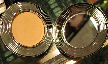 mac hello kitty kouture sheer mystery powder dark secret