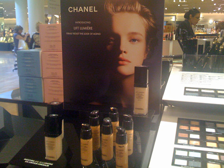 chanel-lift-lumiere