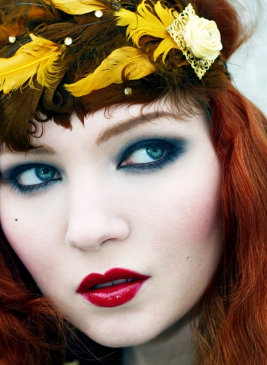 cool eye makeup pictures. The Flapper Makeup Look: Red