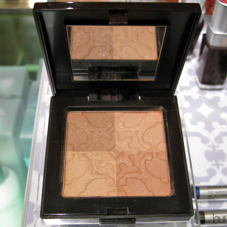 laura mercier bohemia collection moroccan bronze illuminating powder