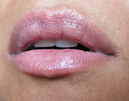 mac a rose romance way to love lipstick swatch