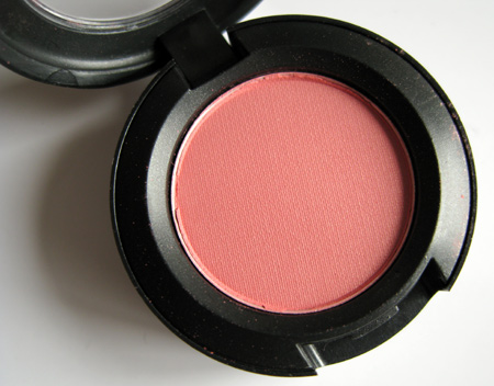 mac-dear-cupcake-eyeshadow