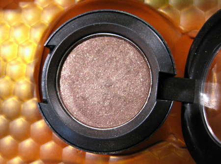 mac naked honey eyeshadow buckwheat