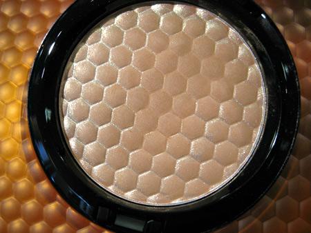 mac naked honey high light powder honey light