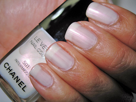 chanel venice fall 2009 501 intermezzo le vernis nail colour