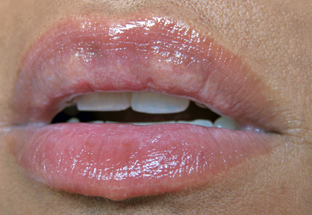 illamasqua makeup reviews sheer lipgloss rouse lip swatch