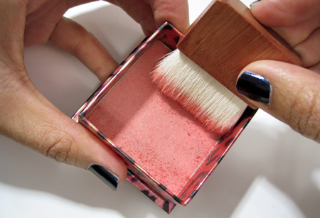 benefit-cosmetics-that-gal-tutorial-1