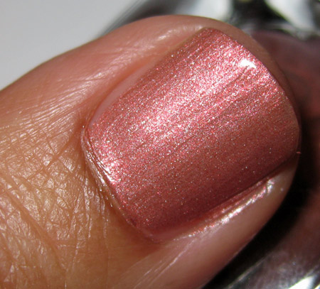 estee-lauder-sensuous-gold-swatches-rose-gold-nail-lacquer