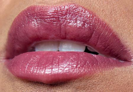 giorgio armani manta ray swatches reviews armani silk lipstick 92 lip