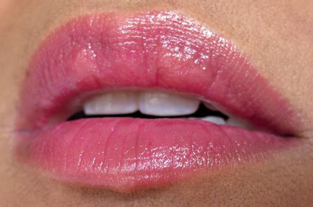 korres-lip-butter-plum-swatch