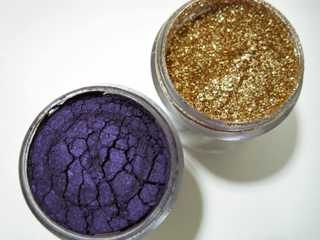 mac make up art cosmetics reviews pigment push the edge glitter gold