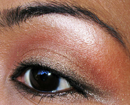 mac-makeup-art-cosmetics-notoriety-quad-fotd-eye