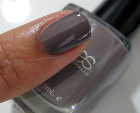 Barielle All Lacquered Up Swatches Putt-E-On Me