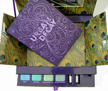 Urban Decay Book of Shadows Vol. II open 2