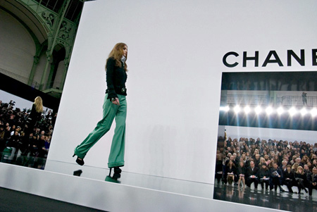 chanel-fall-ready-to-wear-runway-2009-2010-2