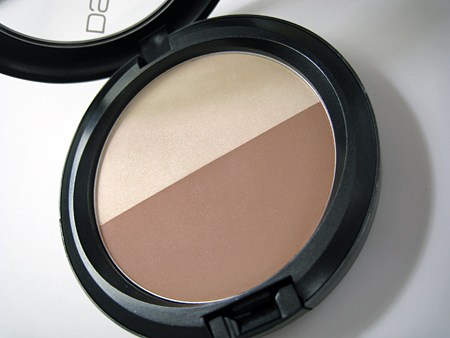 mac dquared sculpt and shape powder bone beige emphasize