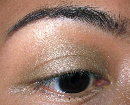 Bobbi Brown Earth Metal Palette Swatches Golden Leaf Shimmer eye-1