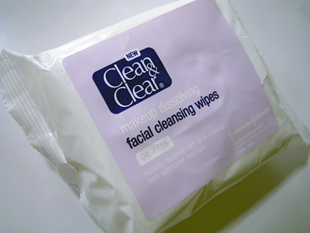 clean-and-clear-makeup-dissolving-facial-cleansing-wipes