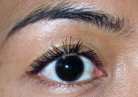 loreal extra volume collagen mascara review one-eye-two-coats