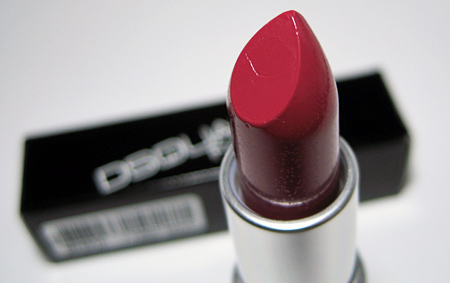 mac-blood-red-closeup