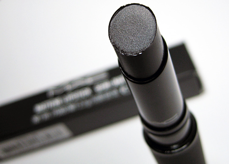 mac-midnight-media-closeup