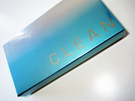 Clean Coffret Set Review in box closed