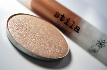 stila kitten collection eyeshadow closeup