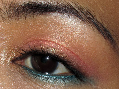 mac to the beach face of the day eye closeup