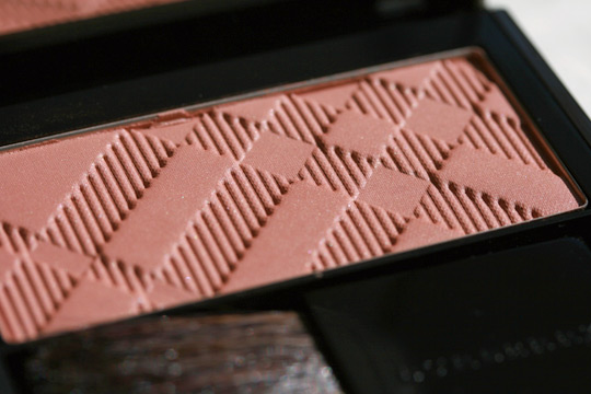 burberry makeup burberry beauty reviews swatches photos light glow natural blush