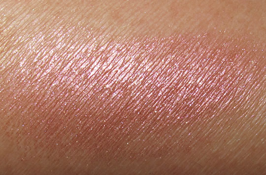 MAC in the groove mineralize skinfinish Petticoat