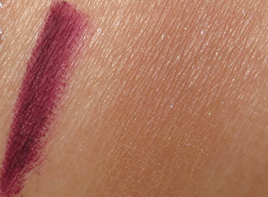 MAC Fabulous Felines Swatches Burmese Beauty Mineralize Blush The Soft Meow Cremestick Liner Velvetella