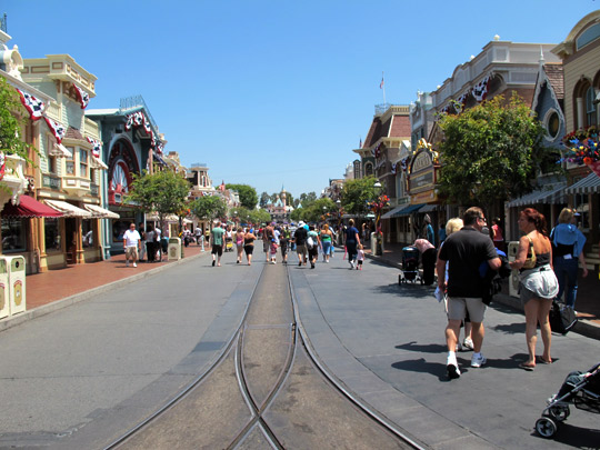 beauty of disney main street