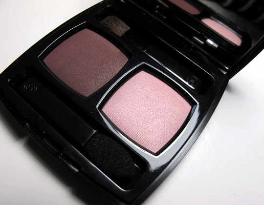 chanel ombres contraste eyeshadow duo review pictures berry rose