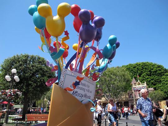 hidden mickeys balloons