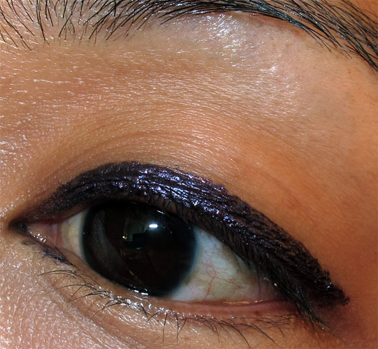 mac fabulous felines swatches review smokey heir superslick liquid eye liner